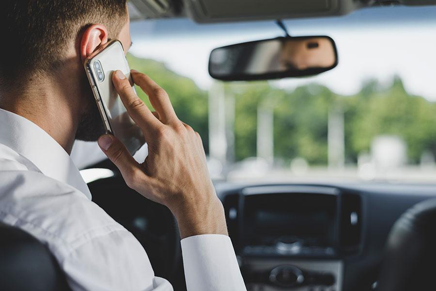 Úc triển khai camera phát hiện tài xế sử dụng điện thoại khi lái xe tại NSW - chuyên gia tư vấn định cư Úc Evertrust